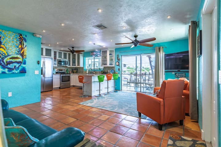 New Listing!!! Prime Time - Tropical Canal Front House W/ Convenient Open Water Access And Dockage