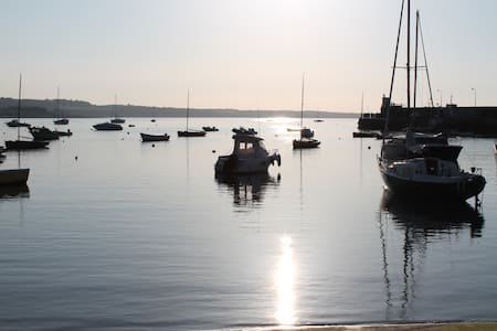 Room in cosy cottage close to beach & harbour - Skerries