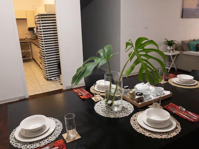 Bright&Cosy Apartment by Rosebank Mall
