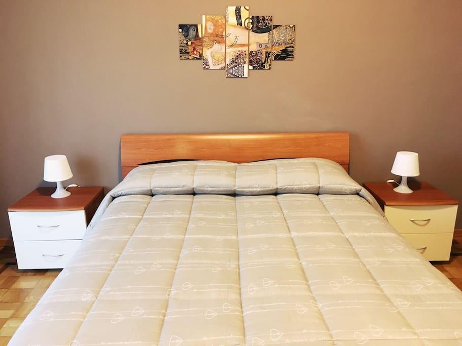 Camere luminose e riservate zona citt studi wohnungen - Abbraccio letto ...
