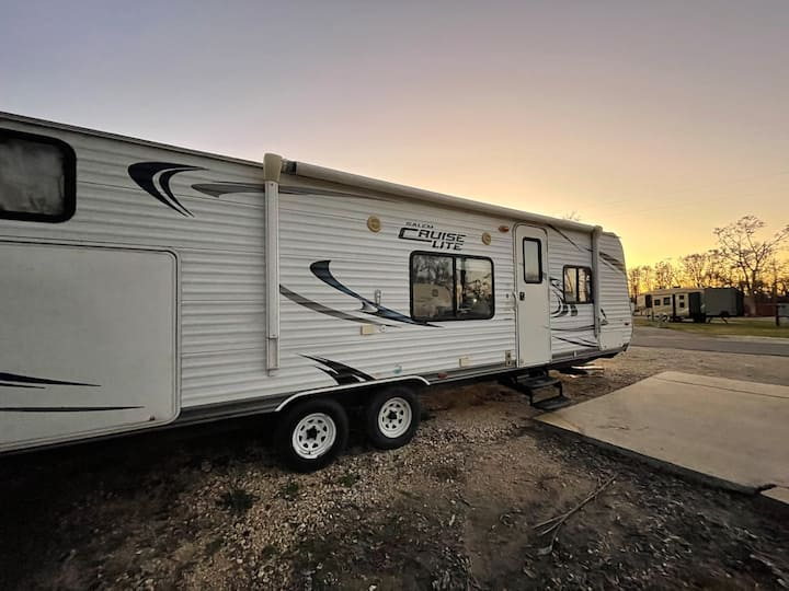 River Forest Gipsee 33FT Cozy Comfort Trailer!