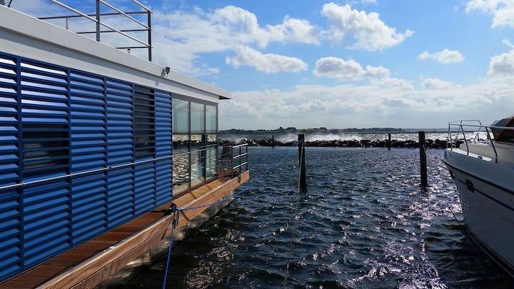 Hausboot Fjordblik in der Flensburger Förde