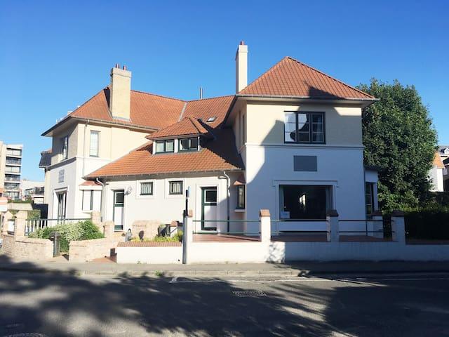 B&B Villa Bon Papa - privé-luxekamer Dunepanne