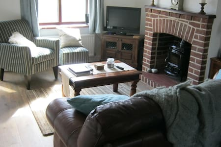 2 Double bedroom Oulton Broad holiday cottage - Lowestoft - Huis