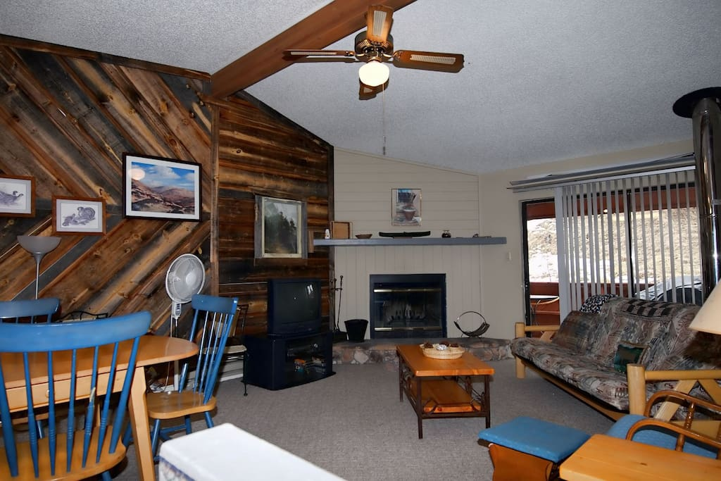 Eagle Creek Condo 305 - Cozy Cabins Real Estate, LLC
