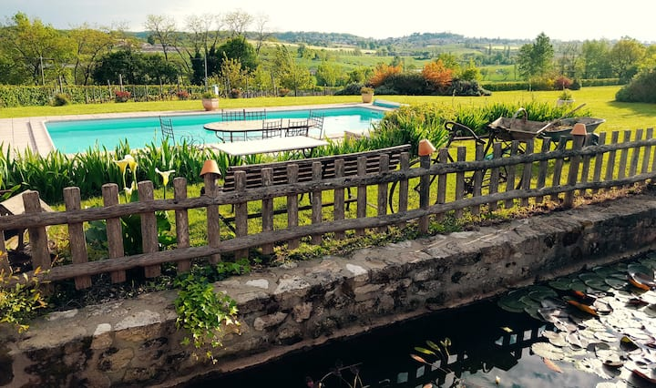 Beau Gîte avec piscine en Périgord Agenais