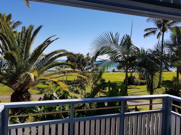 Tangalooma Beachfront Villa 10 - Air Conditioned