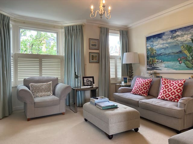 Beautiful Apartment In Leafy Fulham
