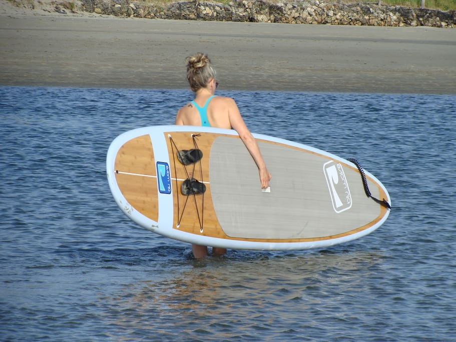 Rissers Beach a 5-min walk from the cottage. 1-min drive!! Paddleboarding and kayaking available for guests! NOTE: your vehicle must be equipped with a roof rack in order to make use of paddle board and/or kayak! Transport without suitable roof rack not permitted!