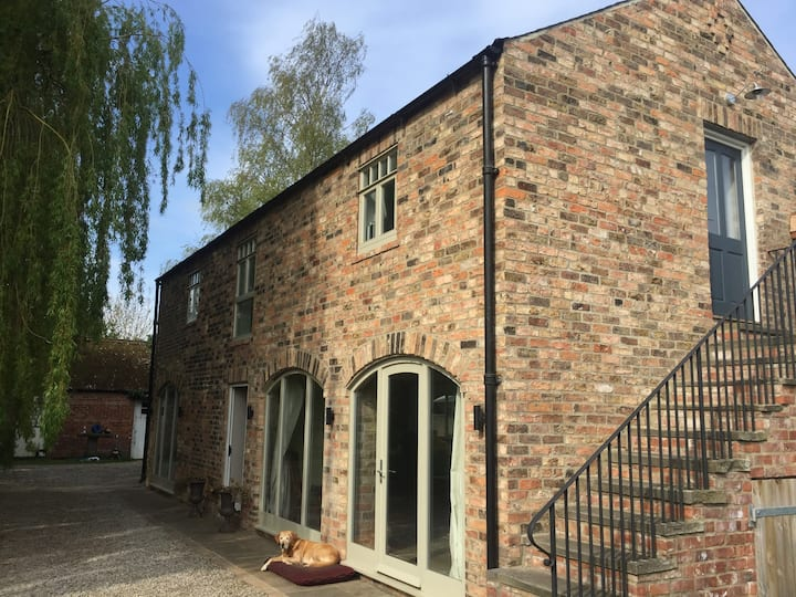 Elegant and spacious open plan converted Granary