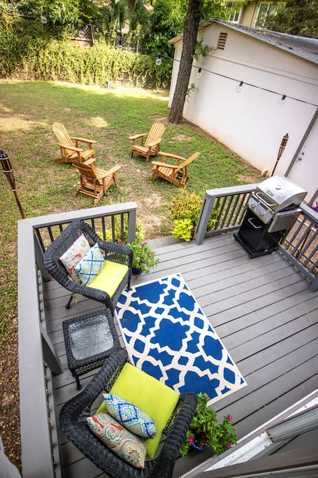 Small deck with grill