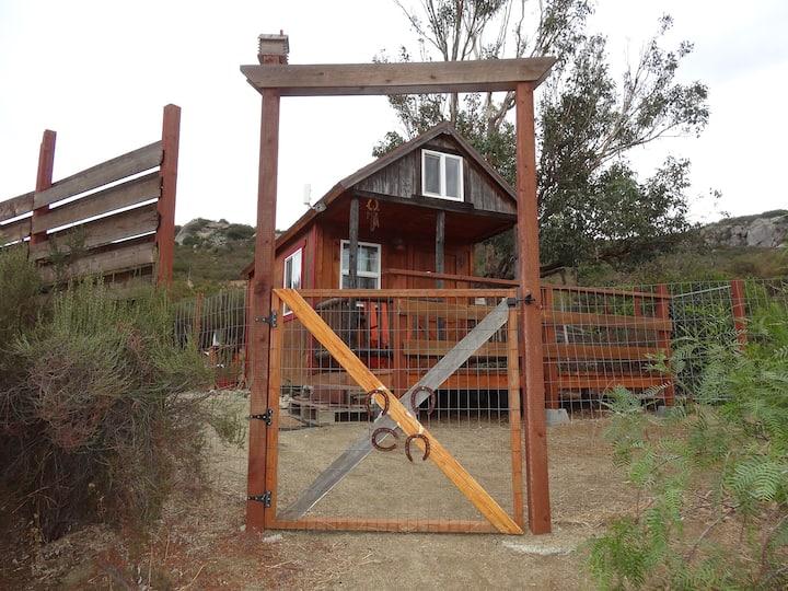 Rustic Writer's/hiker's Retreat