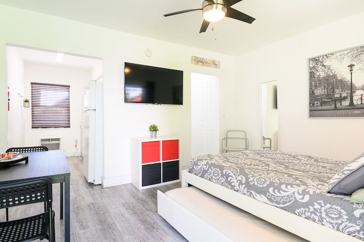 Studio for3 people with Kitchen & Private entrance
