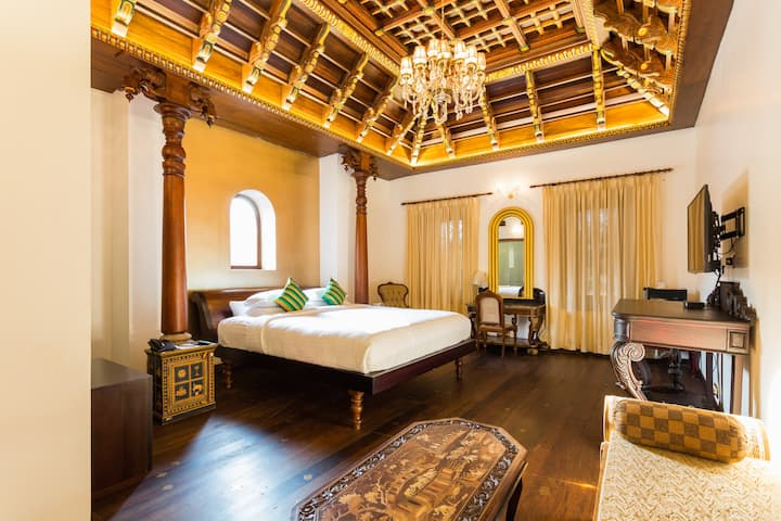 Ginger House Museum Hotel - Travancore Palace
