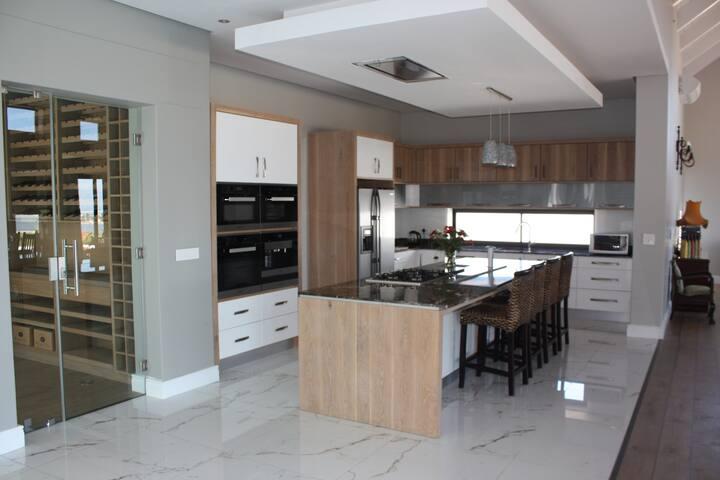 Luxury Holiday Rental Wine Estate Hermanus - Hermanus - Villa