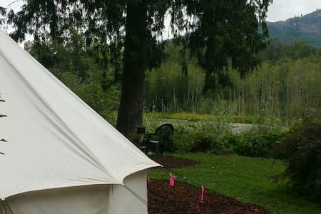 Glamping @ ZEN Oasis on the river, pet friendly