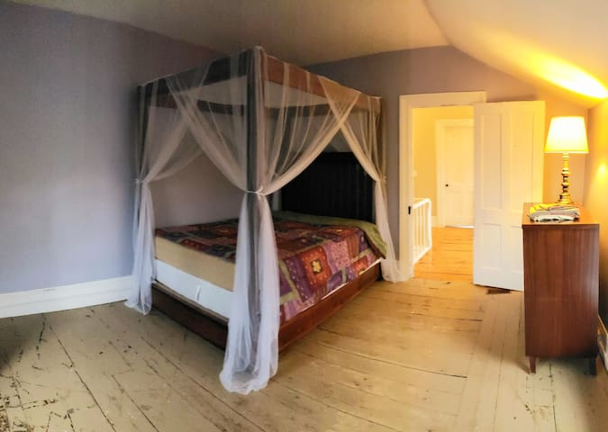 The Purple Room at Dowling House