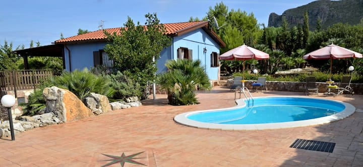 Villa dei Mandorli- Holiday House Rental with private swimming pool near Castellammare del Golfo, Sicily