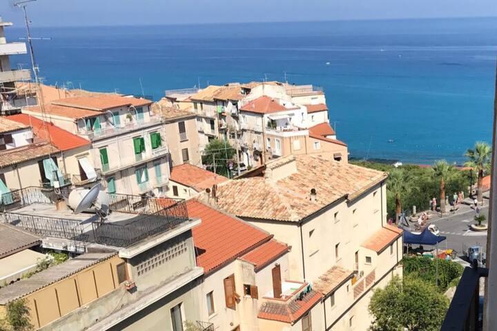 Appartement vue sur mer au cœur historique Tropea