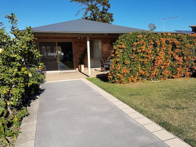 Salt Air-Kurnell.   Entire home opp. the beach.