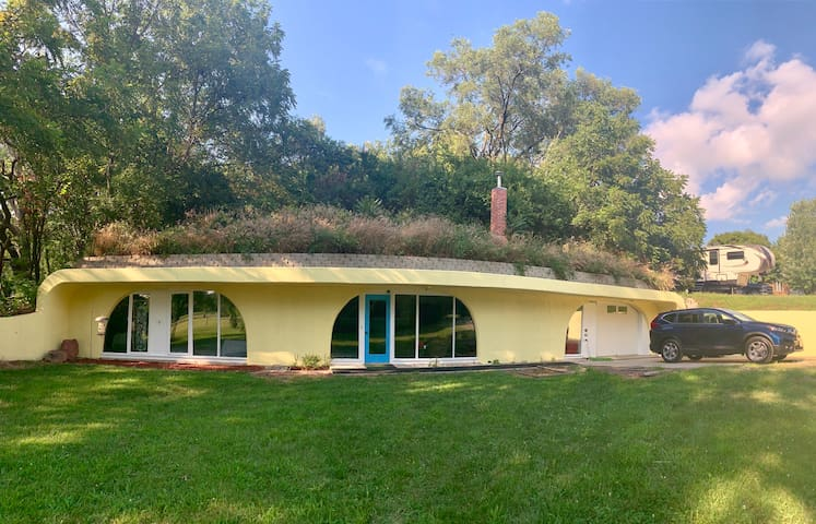 Earth Sheltered House across from GU campus!