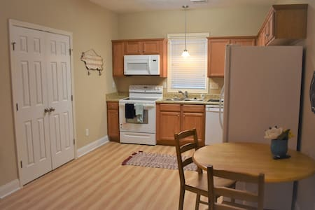 Full Kitchen & bath, your new home in Fayetteville