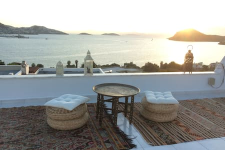 Bedroom with panoramic sea view - Yalıkavak Belediyesi - Villa