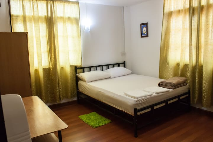 Jakrapong Guesthouse A 5 rooms @Betong Yala TH
