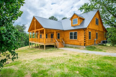 Liberty Lodge - by The Inn & Spa at Cedar Falls