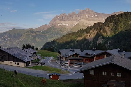 Les Crosets - Portes du Soleil, au pied des pistes