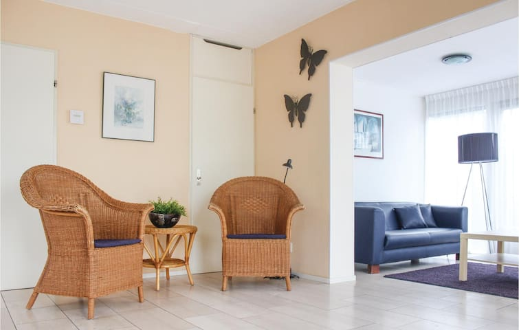 Holiday cottage with 3 bedrooms on 150m² in Vlagtwedde