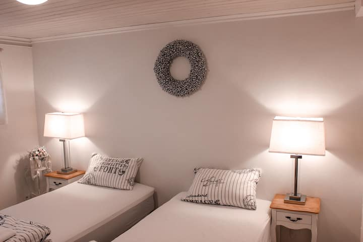 Marin guesthouse (Room 1)