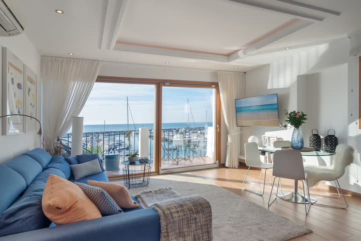 Front Line Penthouse Puerto Banus  With Sea Views