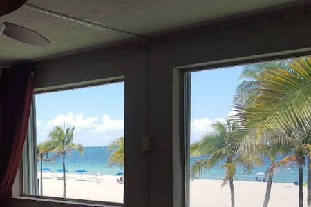 Oceanfront Condo on Fort Lauderdale Beach 1000sqft - Fort Lauderdale - Apartamento
