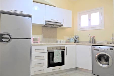 Delta Sharm, Immaculate 1 Bed + Pool View Balcony