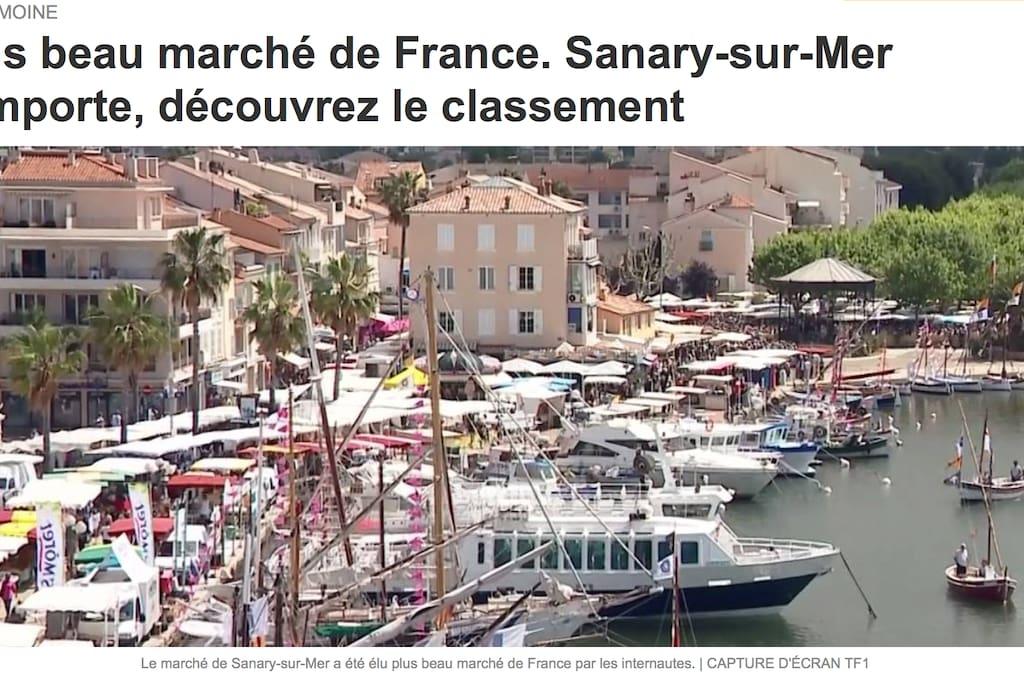 notre terrasse surplombe le plus beau marché de France...