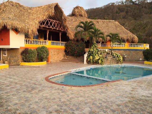 Espectacular cabana con piscina - Tubará