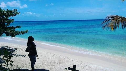 Charmante Küstenhütte, 5 Minuten zu Fuß zum Strand