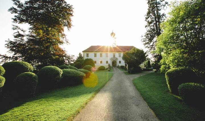 Schloss Altenhof - Obstgartenwohnung 85m2