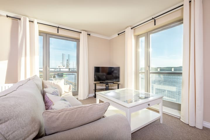 Marine View 3 bedroom Apartment- sea views!