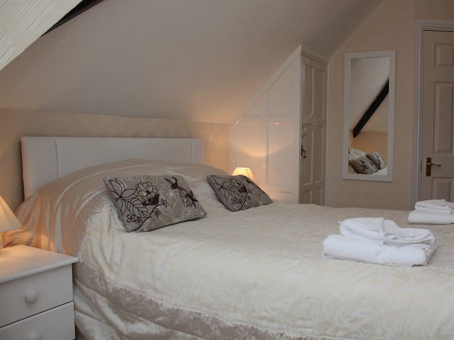 Room 6 bed