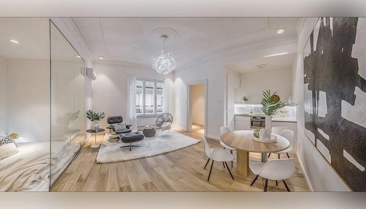 Luxury, lavish studio in the heart of the city