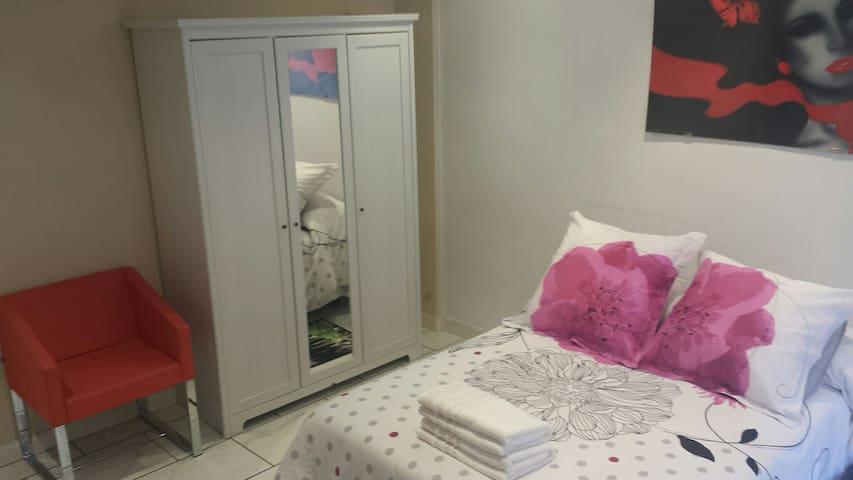 Habitación centrica muy luminosa - Vitoria-Gasteiz - Lägenhet