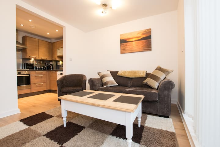 Maidstone  luxury flat near station/town centre