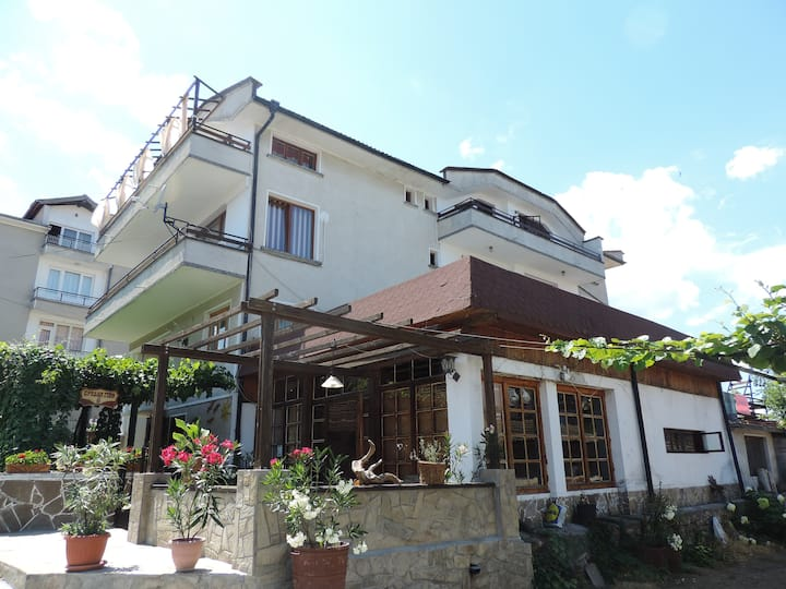 Bakish guest house