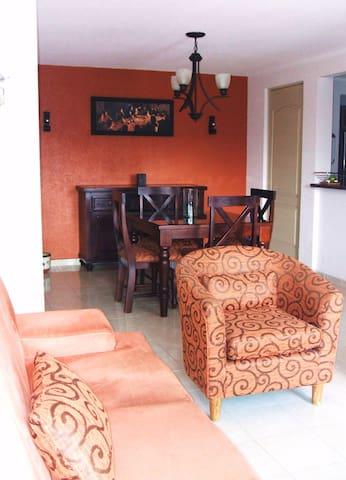 Cómoda habitación en Penthouse cerca V.W., UDLAP. - San Andrés Cholula - Appartement