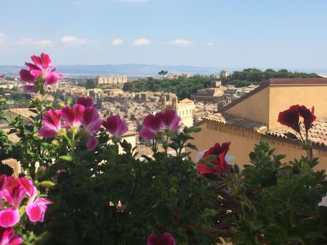Appartamento con vista spettacolare - Caltagirone - Flat