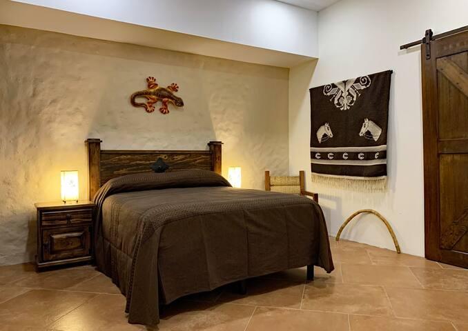 Lizard Bedroom. Queen size bed. Tempurpedic, medium-firm mattress with a memory foam top.