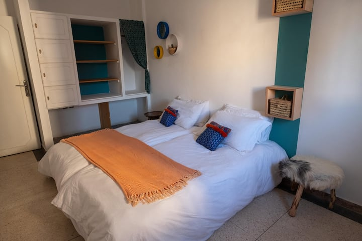 Blue Waves Surf House - Twin double room