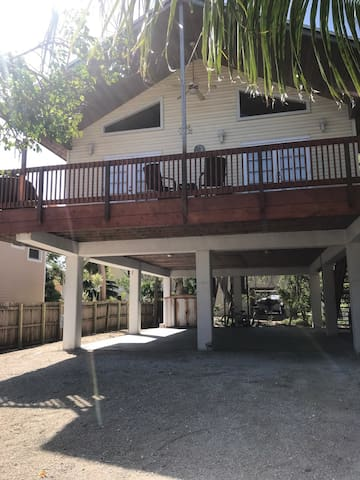 Stilt Home with private parking